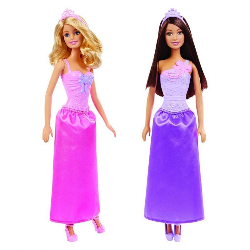Кукла Барби ПринцессаКукла Барби из серии Принцесса от компании Mattel станет отличным презентом для каждой девочки на любое торжественное событие. Длинноволосая куколка одета в роскошное коктейльное платьице и стильные туфельки на высоком каблуке. Игра с данной игрушечной принцессой научит маленьких модниц ухаживать за собой и создавать свой собственный оригинальный стильный образ. Кукла оснащена несколькими точками артикуляции. Это значит, что ее конечности подвижны. Сюжетно-ролевые игры с данной куклой поспособствуют развитию фантазии и воображения, а также смогут подготовить девочку к взрослой жизни. Кукла Barbie изготовлена из высококачественных материалов.<br>