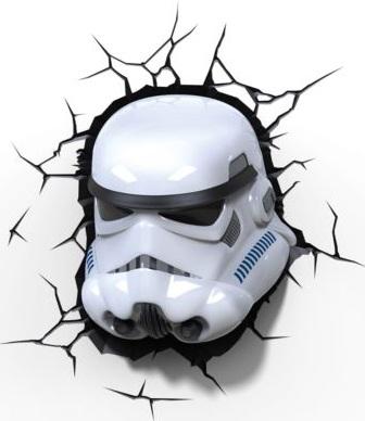 Пробивной 3D светильник Starwars Звёздные Войны-StormtrooperПробивной 3D светильник Штурмовик, Звёздные Войны - этот светильник станет оригинальным декором для комнаты и подарит приятный мягкий свет.Оригинальный реалистичный пробивной 3D светильник, выполненный в виде шлема Штормтрупера из саги Звездные войны, понравится и детям, и взрослым. Он создает необыкновенную реалистичную иллюзию того, что у вас, что то воткнуто в стену, за счет своей специальной формы и 3D наклейки, имитирующей трещины. Помимо яркого, даже шокирующие-оригинального дизайна, пробивной светильник обладает функциональным качеством — дарит мягкий приглушенный свет, что позволяет использовать его как ночник над кроватью. Светильник безопасен для малыша, так как работает от батареек и не нагревается. Модель достаточно просто устанавливается на стене с помощью шурупов, входящих в комплект.<br>