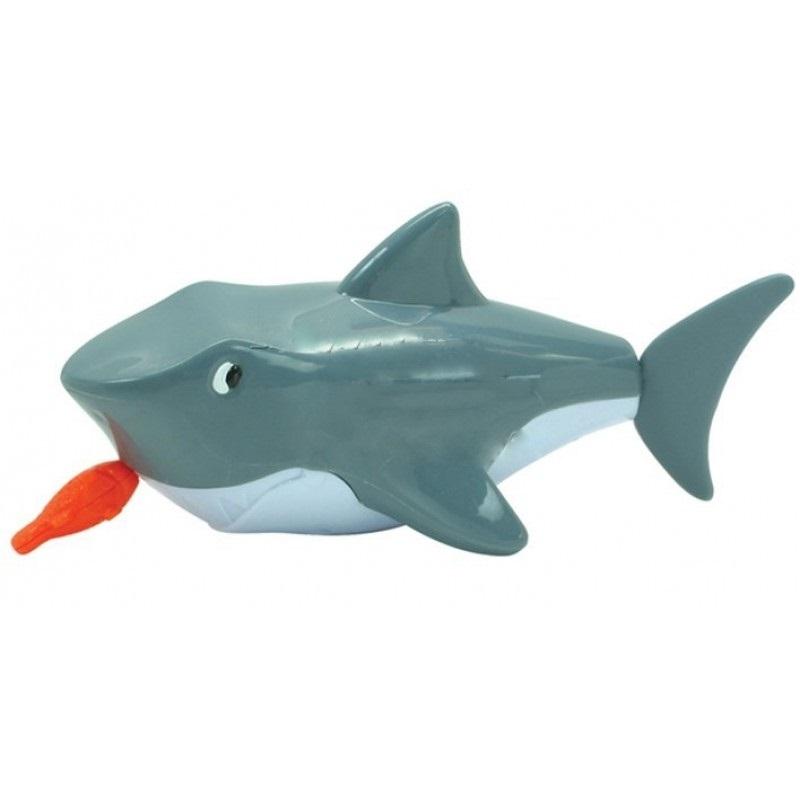 Заводная акула для ваннойЭта замечательная игрушка будет весело плавать с малышом – после завода и опускания игрушки в воду хвостик или лапки будут забавно трепыхаться и зверушка быстро-быстро поплывёт. Малыш может наблюдать за плавающей игрушкой или пытаться поймать её. И то и другое так интересно и весело! С этой игрушкой радость ребёнка во время купания будет безграничной. Игра стимулирует ребёнка к активным действиям и развитию - координации движений, интеллекта, пространственное представление, воображение, умение находить зависимости и закономерности.<br>