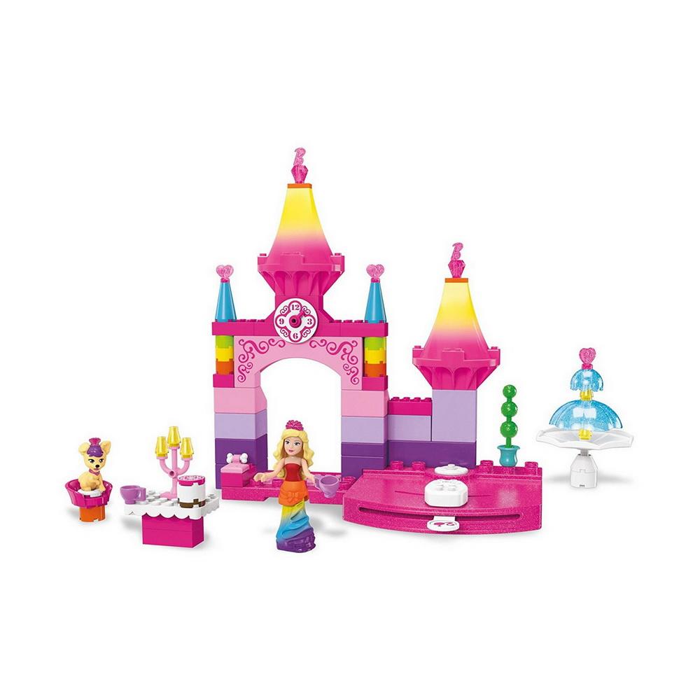 Барби королевский балУдивительный конструктор Дримтопия от американского производителя Mega Bloks предлагает всем поклонницам прекрасных Barbie отправиться на чудесный королевский бал вместе с мини-фигуркой принцессы и ее питомцем. Из пластиковых деталей дети смогут построить роскошный замок, в котором пройдет сказочное торжество.В замке Dreamtopia имеется прекрасный фонтан, а также установлена подвижная платформа, на которую можно установить прелестную Барби и закружить в ярком танце. В комплекте Rainbow Princess Castle присутствуют элементы для создания столика и различные аксессуары: чашечки и подсвечник. Для маленького щенка в наборе представлены корзина для сна и подушка.Благодаря тому, что мини-фигурка принцессы тоже имеет подвижные детали, девочки смогут придавать ей различные позы для того, чтобы лучше продемонстрировать ее радужный наряд.<br>