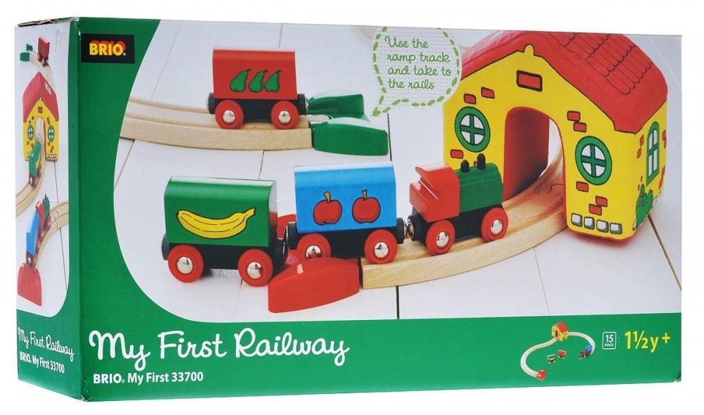 BRIO Моя первая железная дорога, 15 элементовИгрушка детская железная дорога всегда радует детей и родителей. А для коллекционеров модели железных дорог не просто игрушки, а уникальные экспонаты для коллекции. Также если вы не знаете, что подарить ребёнку на день рождения, то всегда можете ему подарить модель железной дороги. Железную дорогу можно подарить и взрослому человеку и она станет как-бы отдушиной, обратит время вспять и взрослый дядька станет управлять поездом, радуясь как ребёнок.<br>