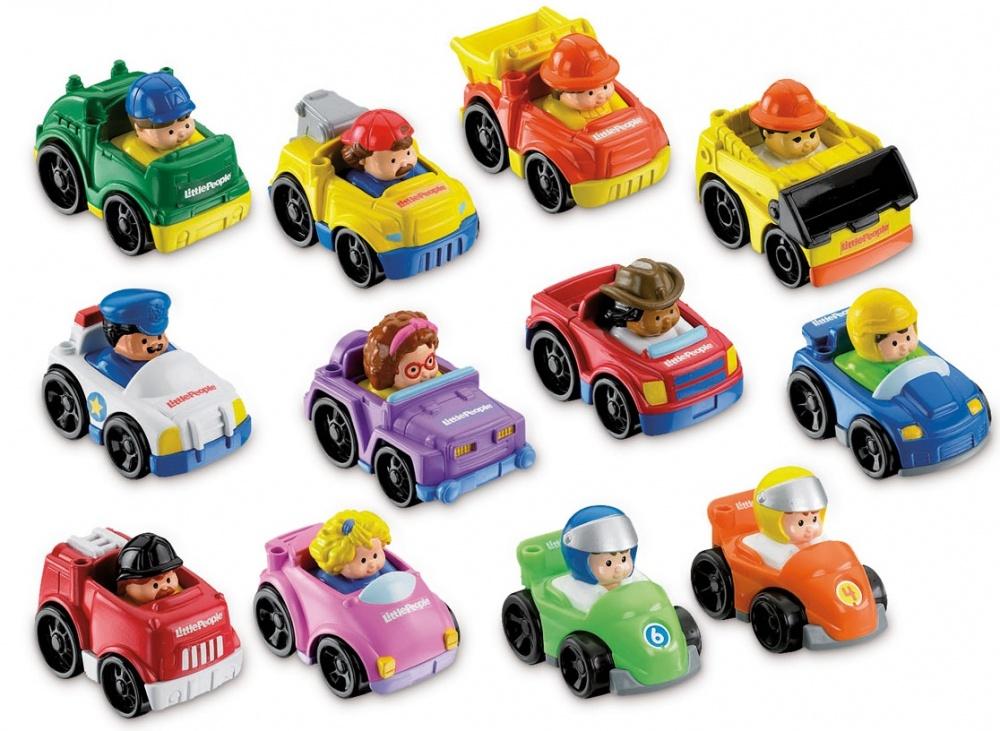 Набор машинок Fisher Price Маленькие друзья, в ассортиментеЗамечательные машинки из серии Little People (Маленькие человечки), безусловно, понравятся любому ребенку. В каждой из машинок сидит человечек. Каждая машинка, как и ее водитель, выполнены в уникальном виде.Игрушки станут отличным подарком для самых маленьких малышей, ведь они не имеют мелких деталей и острых углов и ребенок не сможет пораниться во время игры, а яркие цвета привлекут внимание крохи и надолго увлекут его.Игрушка сделана из высококачественного материала и абсолютно безопасна для хрупкого здоровья ребенка.<br>