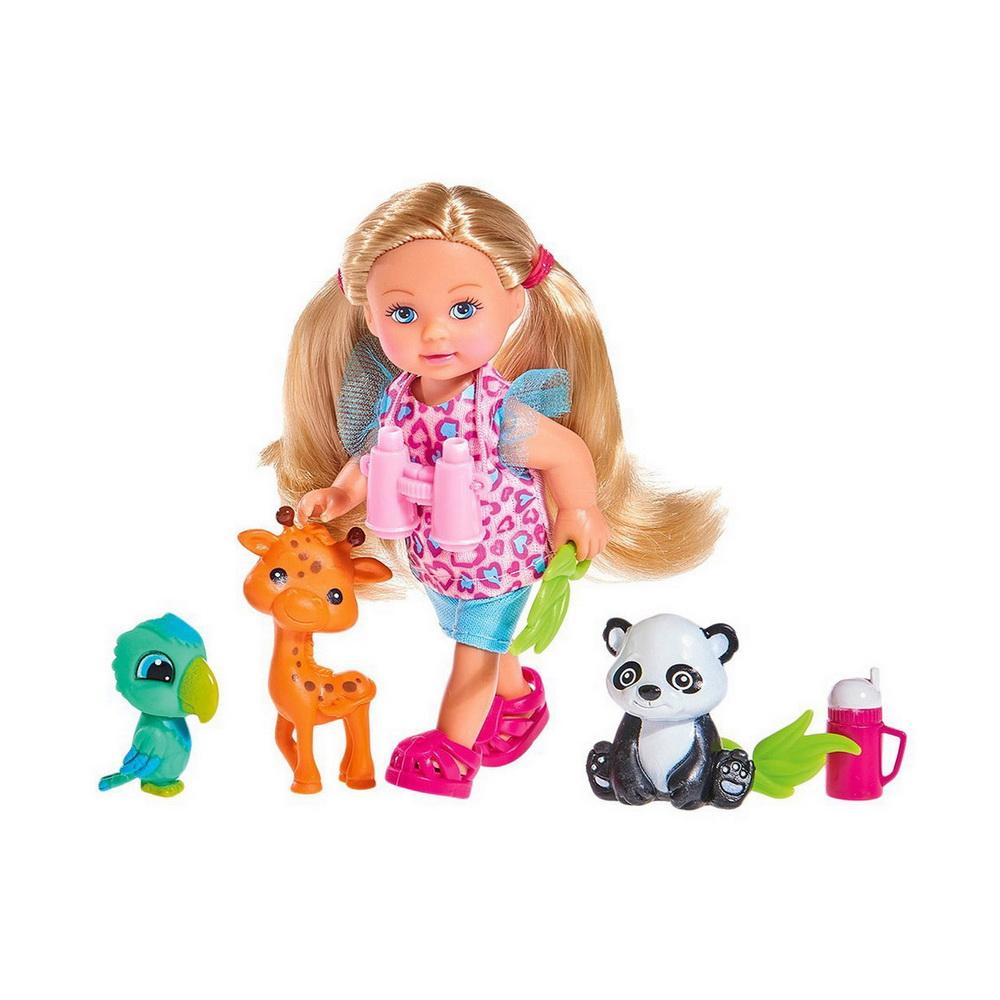 Кукла Еви, набор Сафари, 12смКукла Еви Сафари от немецкого производителя игрушек Simba впечатлит девочку красотой и множеством предметов, расширяющих игровые возможности. Девочка будет рада получить в подарок игровой набор с куклой, фигурками питомцев и аксессуарами. Кукла Еви изготовлена из пластика, а ее роскошные длинные волосы - из нейлона. Волосы собраны в хвостики, их можно расчесывать, формируя новые прически. У Еви красивое и доброе лицо с большими глазами, обрамленными ресницами.Игрушечная малышка одета в симпатичный наряд, состоящий из текстильных кофточки и шорт, а на ногах у куколки красуются пластиковые туфельки. У куклы двигаются ручки и ножки. В ручки вставляются аксессуары. Ребенок с удовольствием будет придумывать игровые сюжеты на тему путешествий по местам обитания диких животных.<br>