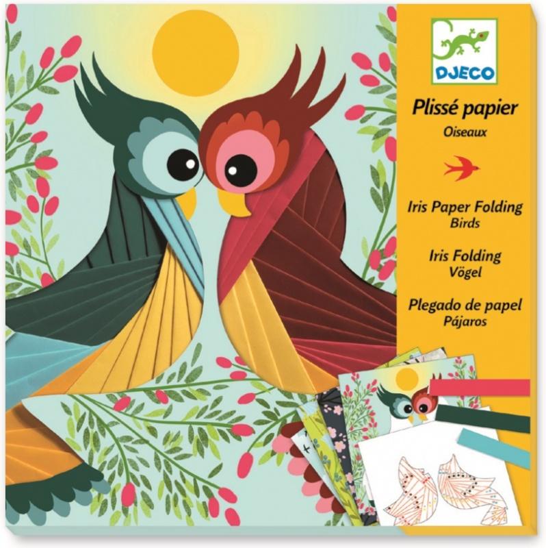 Набор для бумажного декора DJECO ПтичкиНабор для бумажного декора Птички от французского производителя Djeco (Джеко) понравится творческим детям и позволит им создать красивые и необычные картинки. В набор входит 4 картинки с изображенными на них птичками. Ребёнку нужно украсить птичек на картинках разноцветными полосками согласно инструкции. Таким образом, у ребенка получатся 4 ярких картинки, которыми он сможет украсить комнату или же подарить их.<br>
