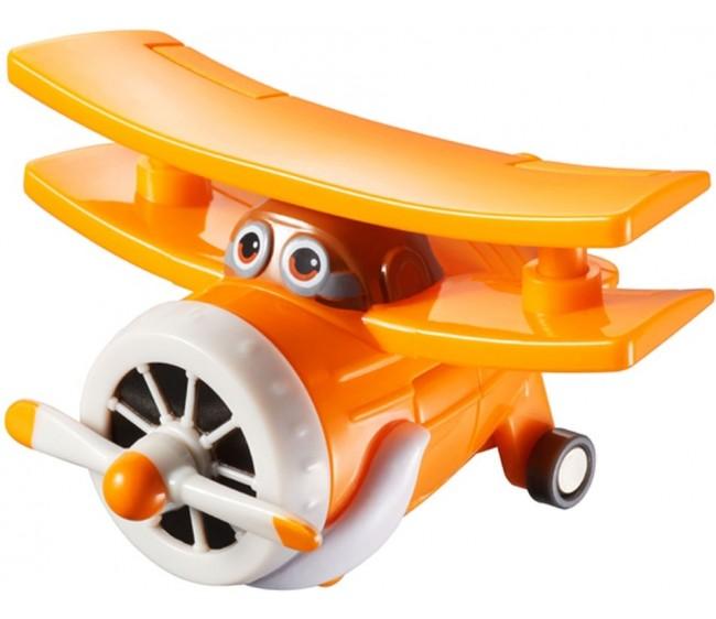 Мини-трансформер Супер крылья - АльбертИгрушечный мини-трансформер из серии SuperWings от компании Auldey Toys представляет собой одного из самых харизматичных героев популярного мультфильма Супер Крылья, дедушку Альберта.Эта игрушка для детей может выглядеть как симпатичный самолетик. С таким самолетом будет весело играть не только мальчикам, но и девочкам. А когда им захочется чего-то нового, самолет Альберт может превратиться в робота – достаточно трех движений для того, чтобы у самолетика появились ноги!Дедушка Альберт – самый простой кукурузник, который занимается благородным делом: он спасатель. Кажется, что даже раскраска самолетика напоминает о его преклонном возрасте: белые части самолета похожи на усы и бороду.Возраст: от 3 летДля мальчиков и девочекЦвет: оранжевый.Материалы: пластик.Размер игрушки: 6 x 7.3 x 3.3 см.<br>