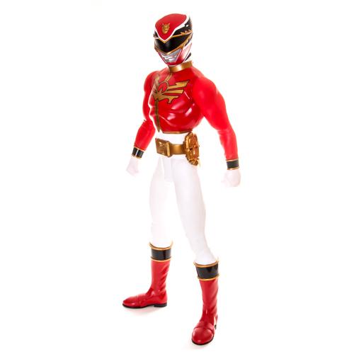 Big Figures Большая Фигура Красного Самурая 79 см.Красный Самурай 50968 из серии Big Figures является одним из супергероев и лидером среди самураев, защищающих мир от нашествия инопланетян! Большая фигура Красного Самурая – это прототип главного героя нашумевшего американского сериала «Могучие рейнджеры: Самураи», по мотивам которого позднее была создана видео-игра.Обратите внимание, что рост игрушки составляет практически 80 см, что ограничивает минимальный возраст игры с ней. Красный Самурай может поворачивать голову, двигать руками и ногами, что позволяет принимать различные позы во время игры. Сама фигура сделана из высокопрочного пластика и легко очищается от загрязнений.Какой ребенок не захочет иметь в своем арсенале подобную игрушку и иметь возможность участвовать в уничтожении инопланетных врагов, напавших на нашу планету?<br>