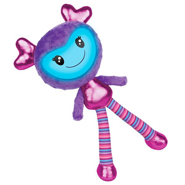 Игрушка музыкальная интерактивнаяИнтерактивная кукла Брайтлингс - замечательная новинка от всемирно известной компании Spin Master. Созданная специально для девочек, она выглядит очень ярко, красочно и необычно. У куклы 3 режима игры: разговор, повторение, музыка. Она умеет произносить более 100 фраз! Она реагирует на действия: так, например, если погладить куклу по спине, она скажет, что это очень мило. А если потрясти ее - выразит недовольство и попросит прекратить. Таким образом, кукла Brightlings сможет стать для девочки самой настоящей, верной подружкой!<br>
