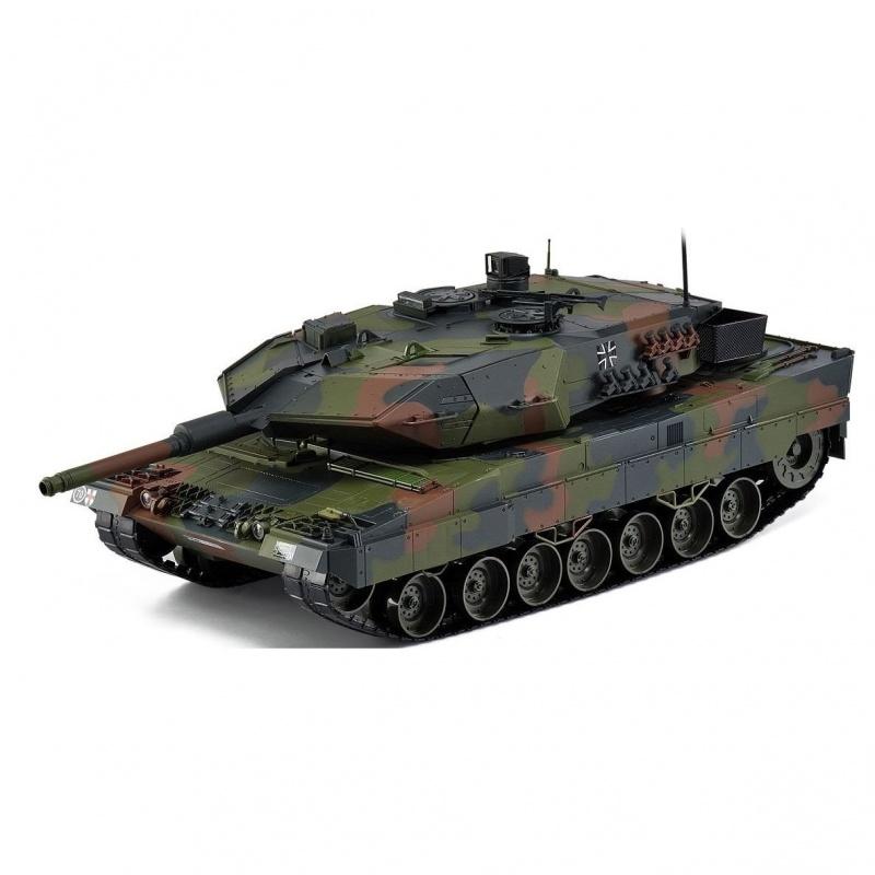 Танк 2А2 Леопард HOBBYHobby Engine Leopard 2A5-2A6 подойдет всем юным поклонникам военной техники. Фирма Hobby Engine в точности повторила все основные нюансы оригинального корпуса немецкого танка Леопард в масштабе 1:16. Боевая игрушечная машина имеют яркую светодиодную подсветку, а также звуковую импровизацию пушечного выстрела и пулеметной очереди. Танк способен совершать импровизированные выстрелы при помощи снарядов, идущих в комплекте с радиоуправляемой моделью. Эта военная техника прекрасно держится на практически любой поверхности и даже способна подниматься по наклонной поверхности с уровнем уклона до 35 градусов. Hobby Engine Leopard 2A5-2A6 уверенно чувствует себя на поворотах и обладает крепким корпусом, который выдержит весьма серьезные столкновения.<br>