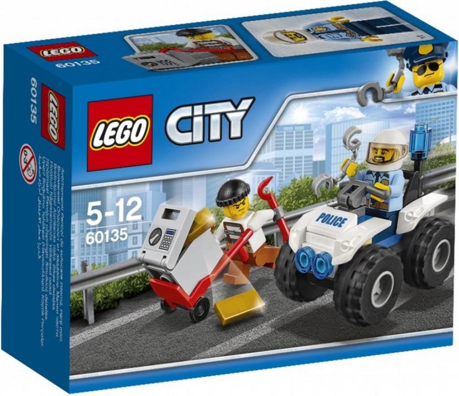 Конструктор Lego City Police Полицейский квадроциклТревога! Воришка убегает, прихватив с собой сейф с золотом! Помоги полицейскому догнать его на быстром полицейском квадроцикле и отправить в тюрьму, где ему самое место. С полицией LEGO® City всегда происходят совершенно невероятные события!Информация о набореАртикул: 60135Производитель: LEGOКол-во деталей: 47Фигурок: 2Год выпуска: 2017<br>
