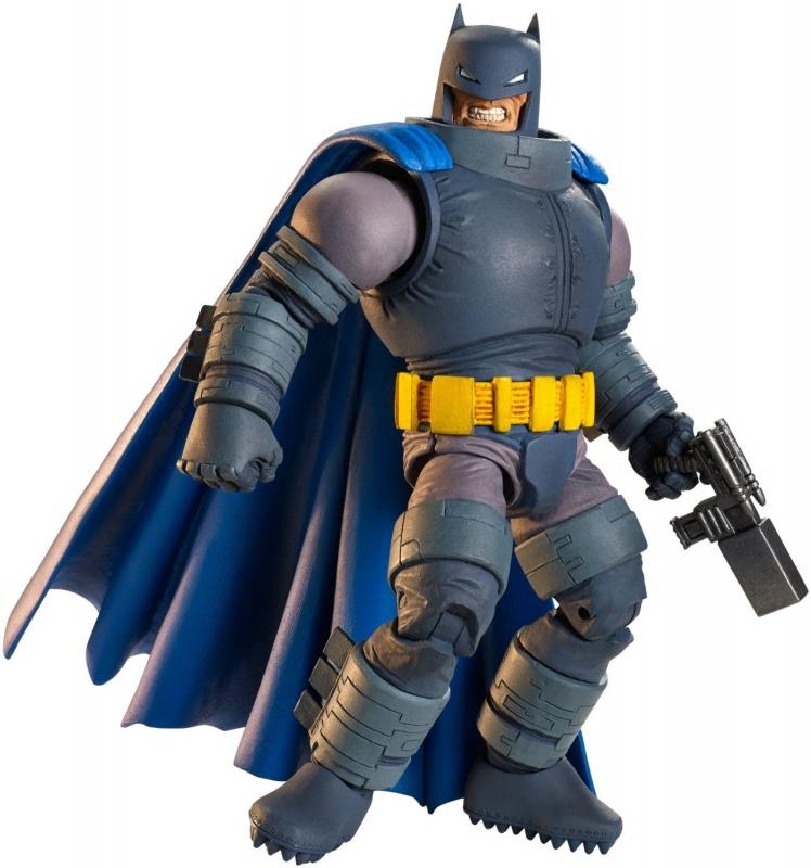 Фигурка супергероя DC Comics Бэтмен в бронеФигурка супергероя Бэтмен: Темный рыцарь. Возвращение легенды от известного производителя игрушек Mattel представляет собой копию знаменитого персонажа от DC Comics Multiverse. В данном наборе Бэтмен представлен в полной боевой готовности и одет в бронированный костюм. Фигурка выполнена достаточно детализировано, у нее подвижны 11 суставов, благодаря чему Бэтмен может принимать различные позы.В комплект с игрушкой входит главное оружие Темного Рыцаря - супермощный бластер, который поможет победить всех злодеев в городе. Кроме того, в наборе есть специальный подарочный элемент - голова героя из мультфильма Судныйдень. Полная коллекция фигурок DC Comics состоит из 6 героев, и в каждой упаковке можно найти элементы подарочной игрушки. Собрав их все, ребенок сможет получить в свою коллекцию еще одного героя из любимой вселенной.<br>