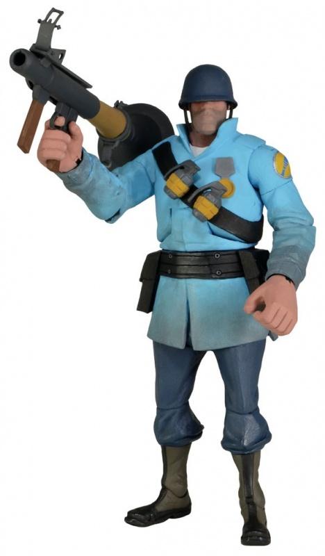 Фигурка Neca Team Fortress 7 Series 2-BLU Soldier 1Настоящий солдат не тратит время на разговоры и пререкания. Как только он видит из-под каски противника, то незамедлительно открывает огонь. Персонаж сетевого шутера Team Fortress 2 может гордиться врожденной дуболомностью и не менее врожденной ракетницей, у которой не кончаются боеприпасы. Солдат может встать на страже вашей квартиры – достаточно лишь разместить его 7-дюймовую копию на компьютерном столе или ближайшей полке с хорошим обзором. Фигурка несет на себе необходимое вооружение и умеет двигать конечностями посредством точек артикуляции.<br>