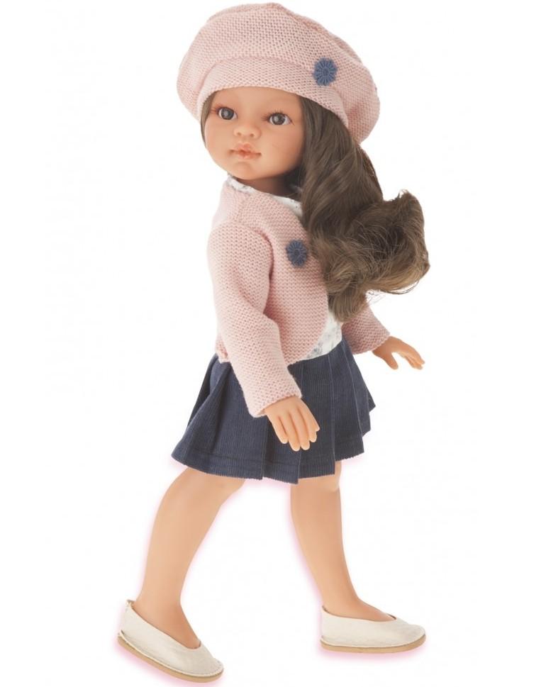 Munecas Antonio Juan 2587B Кукла-девочка Эльвира в берете, брюнетка, 33смКукла-малышка совсем как настоящая маленькая девочка, со своей мимикой, складочками на теле и цветом кожи.Образы малышей разработаны известными дизайнерами кукол. Куклы натуралистичны, анатомически точны, с подвижными ручками и ножками, копируют настоящих младенцев.Кукла изготовлена из высококачественного эластичного винила.<br>