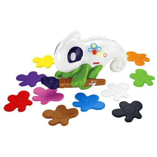 Интерактивная игрушка Обучающий хамелеон (свет), 3 режимаИнтерактивная игрушка Обучающий хамелеон от производителя Fisher-Price очень понравится малышам. Ребенок изучит цвета и цифры с этим ярким забавным зверьком. Игрушка предполагает 3 режима игры. Хамелеон может определять цвет с помощью своей кисточки, а затем сам зверек окрашивается в тот цвет. В комплекте с интерактивной игрушкой есть 10 разноцветных клякс, с которыми ребенку будет весело и интересно учиться. Также игрушка может предложить ребенку поиграть в подвижные игры, не давая скучать на месте. Интерактивная игрушка станет прекрасным и очень полезным подарком для любого ребенка.<br>