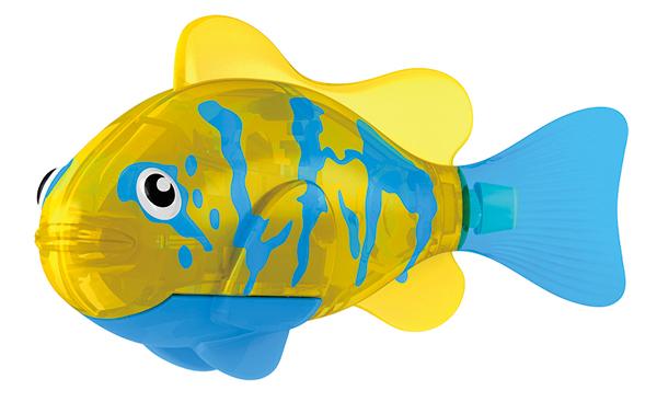 Тропическая РобоРыбка Белогрудый хирургИнновационная высокотехнологичная игрушка. Активируется в воде. Имитирует движения и повадки рыбы. Электромагнитный мотор позволяет рыбке двигаться в 5 направлениях. При погружении в аквариум или другую емкость с водой, РобоРыбка начинает плавать, опускаясь ко дну и поднимаясь к поверхности воды. Игрушка работает от двух алкалиновых батареек А76 или RL44, которые входят в комплект (две установлены в игрушку и 2 запасные).<br>