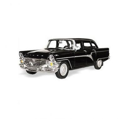 маш ГАЗ-13 ЧАЙКА гражданская 1:43Игрушечная модель автомобиля Чайка, выполненная в масштабе 1:43. Копия автомобиля в точности повторяет свой оригинал. Металлические модели автомобилей с пластиковыми частями, с вращающимися, подрессоренными колесами.<br>