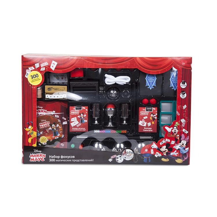 Набор для демонстрации фокусов Disney Mickey Mouse (300 фокусов, DVD, 59,5х8х38 см)Лицензионные игрушки пользуются наибольшей популярностью у потребителя.Это самые популярные персонажи, действительно качественная продукция и надёжный, узнаваемый бренд.Все компоненты набора выполнены в фирменном оформлении, в соответствии с высокими стандартами качества компании Disney.Набор содержит весь необходимый реквизит, подробную инструкцию с техникой выполнения трюков и видео-инструкцию на DVD диске.Преимущества наборов фокусов Disney:Знаменитый брендФирменный, привлекательный дизайнБезопасные материалыНаличие видео-инструкций к каждому наборуКачественная, приятная упаковка на русском языке<br>