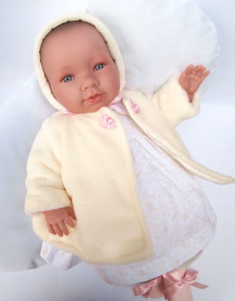 Кукла Asi Лола, 46 см.Очаровательный реборн Лола, 46 см (глазки у реборна открыты!) Если ваш ребенок хочет получить в подарок настоящего реборна, рекомендуем Вам обратить внимание на Новинку 2017 года - Лола. Эта кукла-реборн, имеет свидетельство о рождении и все необходимые атрибуты настоящего малыша! Одежда у малышки сшита из высококачественного дорого хлопка, с ручной отделкой кружева. В комплекте к малышке Лоле прилагается мягкий плед нежно розового цвета. Реборн Лола выглядит совсем, как новорожденная малышка. У нее очень выразительные черты лица, длинные пушистые реснички и пухлые губки. Рост, как у новорожденнного, составляет 46 см.<br>