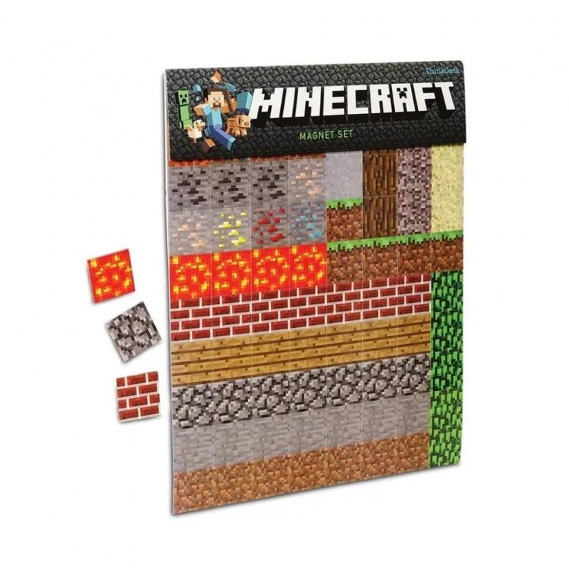 Набор магнитов Minecraft на холодильник 160 шт.В комплекте две пластины магнитов по популярной во всем мире игре Minecraft, общей площадью 80Х2,5 см. Данные магниты украсят ваш холодильник и придадут ему оригинальность и неповторимость. В комплект набора из любимой игры по всему миру входит 80 блоков магнитов<br>