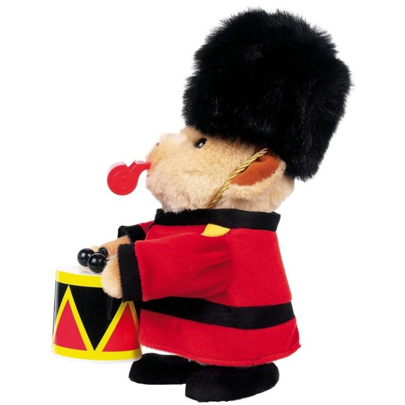 Игрушка интерактивная МедведьHamleys Медведь Барабанщик - Посмотрите как он дует в свой свисток и бьет в барабан во время парада!<br>