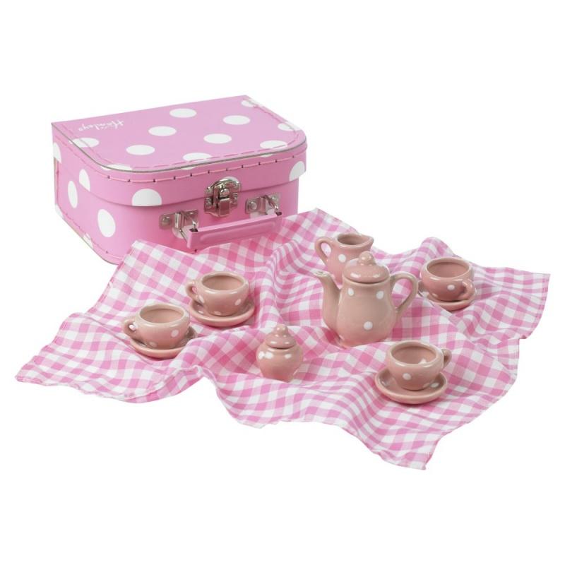 Игровой набор ЧаепитиеС этим прекрасным чайным набором малиьчики и девочки, с удовольствием будут устраивать чаепития для себя и всех своих плюшевых друзей<br>