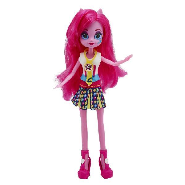 Equestria Girls Кукла в ассортиментеВ ассортименте - 4 очаровательные куколки Equestria Girls.Кукла Пинки Пай - одна из популярнейших персонажей мультфильма Девочки из Эквестрии. Она самая дружелюбная и приветливая из всех милашек My Little Pony Equestria Girls. Для нее самое главное в жизни - это настоящая, искренняя и чистая дружба. Она всегда спешит на помощь своим друзьям и готова помочь. У героини одноименного мультфильма очень веселый нрав и всегда хорошее настроение.На каждой куколке надет великолепный модный наряд, с галстучком и пара очень эффектных туфель на высоком каблуке. Кроме того, у них длинные, длинные, невероятно пышные волосы, которые можно расчесывать и заплетать в причудливые прически.В комплекте:Кукла My Little Pony Equestria GirlsНарядПара обувиУкрашение в виде галстучка<br>