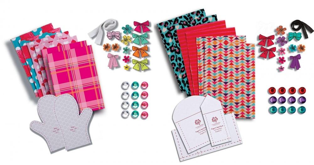 Набор для шитья Sew Cool Ткань и аксессуарыТкань и аксессуары Sew Cool помогут раскрыть весь творческий потенциал и развить фантазию вашего ребенка! Только представьте - сколько всего интересного можно сотворить с помощью швейной машинки, кусочков разноцветной ткани и цветных аппликаций! В ассортименте есть два набора с тканями разных цветов - Lapin и Sweet, которые предоставят вашему ребенку настоящую свободу для творчества.<br>