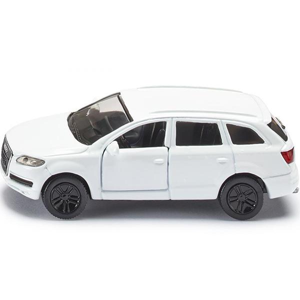SIKU Внедорожник AUDI Q7Игрушечная модель Audi Q7 (Ауди Q7). Корпус автомобиля выполнен из металла, лобовое и заднее стёкла из прозрачной тонированной пластмассы, передние двери открываются, колёса выполнены из резины и вращаются, можно катать.Размер упаковки: 98 x 78 мм<br>