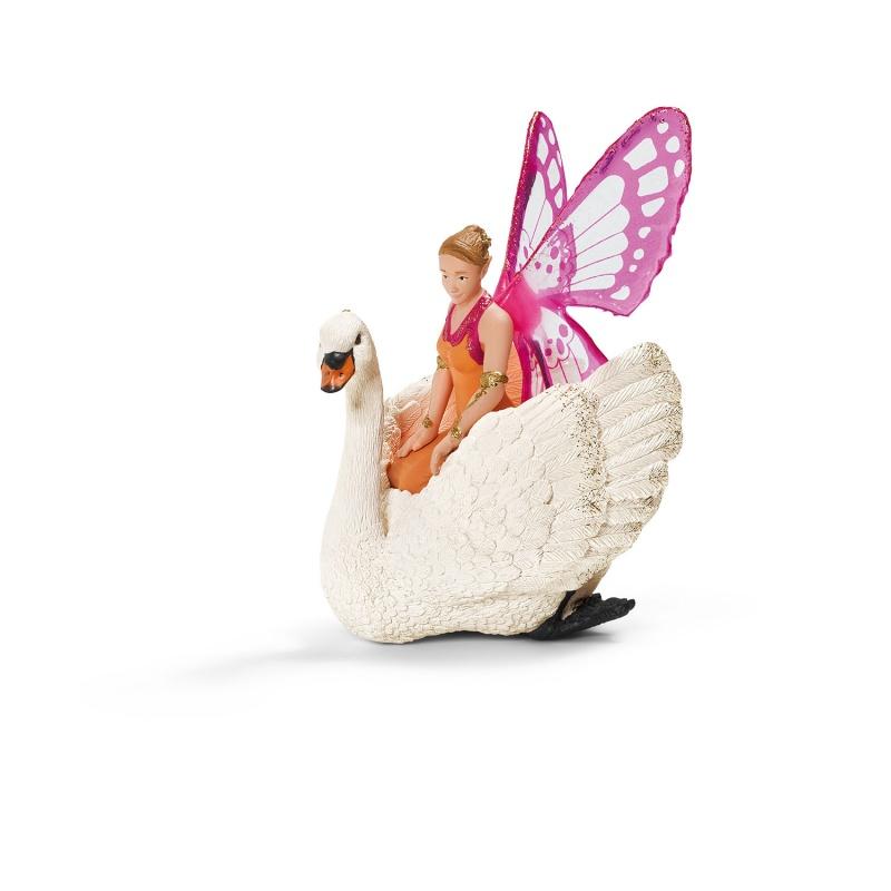 Эльф Зарина на лебедеФигурка эльфа Зарины изготавливается в виде наездницы на сказочном лебеде. Вас и вашего ребенка удивит невероятная детализация и проработка каждого элемента. В изготовлении игрушки был применен метод ручной покраски, благодаря чему она выглядит максимально реалистично. С ее помощью ваш малыш сможет развивать фантазию и воображение, разыгрывая разнообразные сюжеты и истории.Качественные материалы                Фигурка изготавливается из высококачественного каучукового пластика, который не выделяет вредных веществ в воздух. Благодаря особой структуре материала исключаются аллергические реакции и другие негативные воздействия на организм ребенка. Вы можете быть уверены в полной безопасности игрушки.Заказ и оплата                Вы сможете приобрести этот замечательный подарок ребенку в наших розничных магазинах в Москве или Санкт-Петербурге. Также у нас действует быстрая доставка во все регионы России, чтобы ваш ребенок мог получить игрушку как можно скорее.<br>