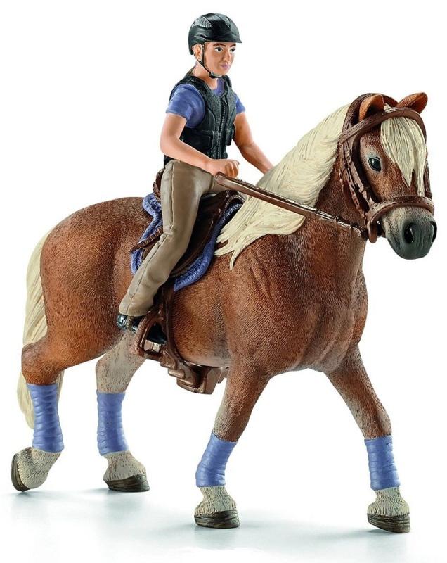Всадник на лошадиЕсли ваш ребенок увлекается конным спортом или просто лошадьми, игровая фигурка Всадник на лошади Schleich будет отличным пополнением его коллекции или замечательным подарком для сюжетно-ролевых игр. Запряженная по всем правилам конного спорта лошадь и жокей в классической экипировке также могут стать символичным украшением вашего интерьера. Каждая деталь необычайно четкая и максимально детализированная. Сделанная из качественного, гипоаллергенного материала, а позже раскрашенная вручную, эта игрушка, как и вся продукция Schleich, безопасна для малышей. Она изготовлена с учетом анатомических особенностей детей: игровая фигурка Всадник на лошади очень компактная, ее удобно держать в маленькой ручке.<br>