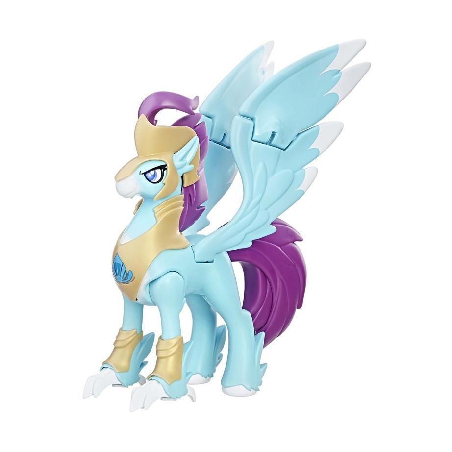 MLP «Хранители Гармонии» герой интерактивныйФигурка My Little Pony Хранители гармонии – это очень красивая игрушка от бренда Hasbro. Имя нового персонажа - Hippogriff Guard. Голубая лошадка с фиолетовыми хвостом и гривой наверняка удивит и порадует всех поклонников этой известной истории.Дизайн фигурки очень хорош. На игрушку можно надевать различные аксессуары, например, шлем, нагрудник и манжеты на ноги. Несколько подвижных частей туловища позволяют лошадке принимать разные позы во время игры. Пони также имеет световые и звуковые эффекты, которые делают игру с ней еще интереснее.Героини Май Литл Пони из серии Guardians of Harmony способны хранить покой и порядок в знаменитой Эквестрии.<br>