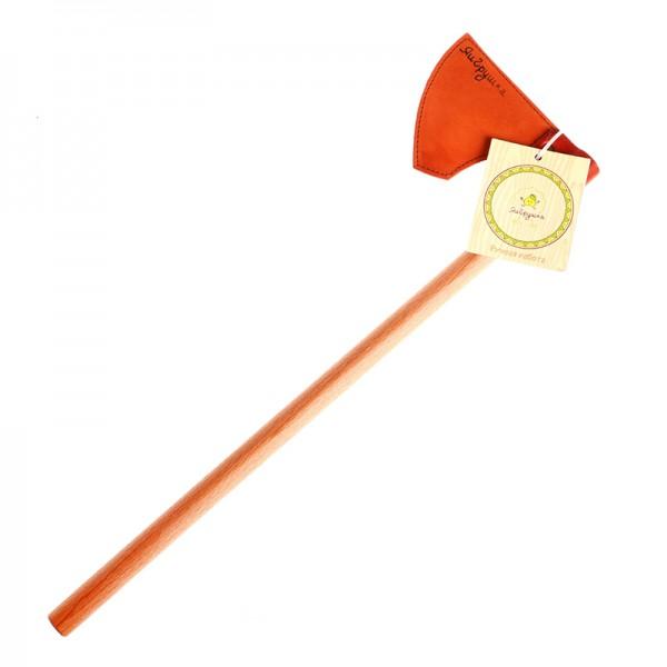 Топор Викинг ЯигрушкаДеревянная игрушка Топор «Викинг» - отличный подарок для каждого мальчика.Топор – непременный атрибут любого воина. Лезвие мягкое, выполнено из натуральной кожи.Игрушка отполирована, что исключает возможность пораниться во время игры.Размер игрушки: 49,5х14,5 см.<br>