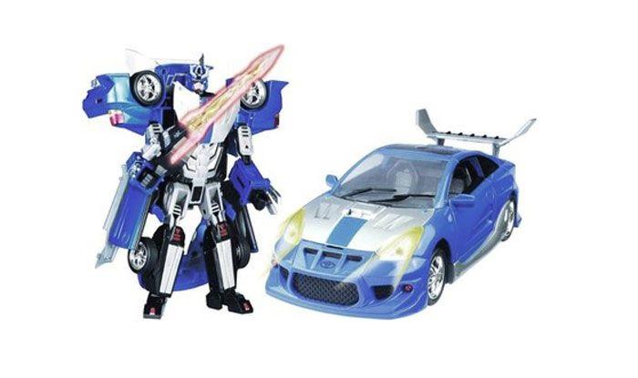 Игрушка-трансформер Toyota Supra, цвет: синий, серыйИгрушка-трансформер Toyota Supra со световыми и звуковыми эффектами привлечет внимание не только ребенка, но и взрослого. Трансформер имеет две вариации: первая - грозный робот с мощным оружием, вторая - изящный легковой автомобиль Toyota Supra. Превратить робота в точную модель автомобиля с открывающимися дверьми не составит труда: достаточно лишь проявить конструкторскую смекалку и использовать входящие в комплект съемные детали.При нажатии на кнопку раздаются звуки стрельбы и подсвечиваются лампочки. Этот подвижный и устойчивый трансформер станет любимой игрушкой вашего ребенка. Порадуйте его таким замечательным подарком!<br>