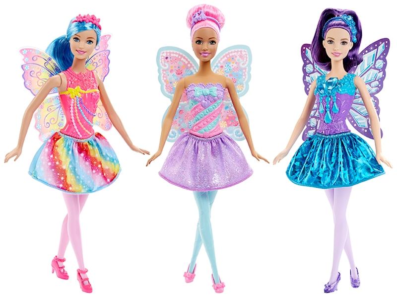 Barbie Куклы-феи в ассортиментеЭти чудесные разноцветные куклы-феи с украшенными крыльями готовы унести тебя в мир фантазий: ведь с Барби® ты можешь стать кем захочешь! Изящно разукрашенные лифы, крылья, яркие волшебные юбки и диадемы — то что нужно для сказки. По виду каждой Барби-феи понятно, из какого волшебного королевства она явилась: радуги, самоцветов или конфет. У «радужной» феи — разноцветные бусины на лифе и радужные полоски на юбке и крыльях, у «самоцветной» — синие и пурпурные «драгоценные камни» на лифе и крыльях, гармонирующие с блестящей юбкой, а у «конфетной» — лиф в «леденцовых» полосках и конфеты на крыльях с тиарой. У каждой феи в наборе — прелестные туфельки и съемное украшение для волос.<br>
