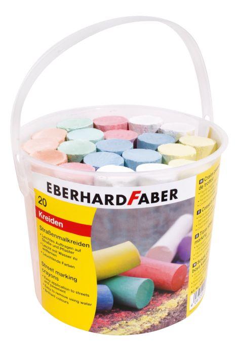 Цветные мелки для рисования на асфаль, круглые, в пластиковом ведерке, 20 штЦветные мелки для рисования на асфальте Eberhard Faber – это хорошая игрушка для игр на открытом воздухе. В комплекте находятся 20 мелков различных цветов и оттенков. Представленный комплект не только позволит вашему малышу весело и интересно провести время на прогулке, но и поможет в улучшении полезных навыков. Мелки способствуют развитию мелкой моторики рук, пространственного мышления и творческих способностей.СоставЦветные мелки для рисования на асфальте Eberhard Faber изготавливаются из натуральных природных материалов, которые отлично подходят для рисования на грубой поверхности асфальта. Благодаря твердой структуре мелки медленно стираются, что обеспечивает долгий срок их службы. Материал не оказывает вредных воздействий на организм ребенка, не допуская возникновения аллергических реакций и раздражений на коже.Как купить?        Чтобы заказать понравившиеся мелки, обращайтесь в наши магазины или сделайте заказ через сайт. Благодаря быстрой доставке время ожидания не будет слишком долгим. Оплатить можно наличным и безналичным расчетом – для Москвы и Санкт-Петербурга, а также при помощи наложенного платежа – жителям остальных регионов страны.<br>