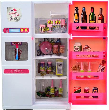 Набор мебели для кукол DollyToy ХолодильникИгрушечная версия двухкамерного холодильника, заполненного продуктами питания и напитками, выглядит настолько реалистично, что так и хочется побыстрее приступить к игре с подружками-кукляшками! Дверцы холодильника открываются и закрываются. Удобные ящики и шкафчики для хранения аксессуаров. Функциональный диспенсер для воды. Мебель представлена в ярких цветах, выполнена из прочного и качественного материала, подходит для кукол высотой до 29 см.<br>