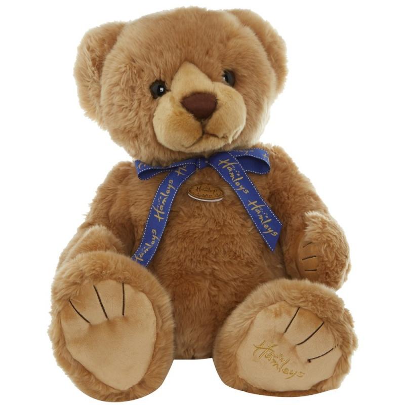 Игрушка плюшевая Медведь 48 см.В Hamleys мы знаем его просто как большой медведь. Он очень любит читать , обниматься и пикники в парке, также с удовольствием примет участие в настольной игре.<br>