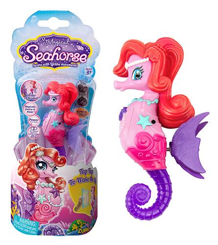 Морской Конек  КэролМорской Конек Кэрол - новая, высокотехнологичная игрушка. Активируется при погружении в воду. Плавает как настоящий морской конек, сохраняя вертикальное положение, взмахивая плавниками-крылышками.В наборе: 1 Морской конек розово-фиолетовый с рыжей гривой, 2 запасные батарейки.Для детей от 3х лет.Размер упаковки: 24,5 x 10 x 4 см.Размер игрушки: от головы до хвоста 10,5 см.Материал: пластмасса, металлБатарейки: LR44 - 2 шт. вставлены в игрушку + 2 запасные в набореПроизводитель: ZURU, Гонконг.Изготовлено: Китай.В игрушке запрограммирован эконом режим: через 1 минуту непрерывного движения, она выключается. Для повторной активации Морского Конька, постучите по стенке аквариума или вытащите его из воды и запустите обратно.<br>