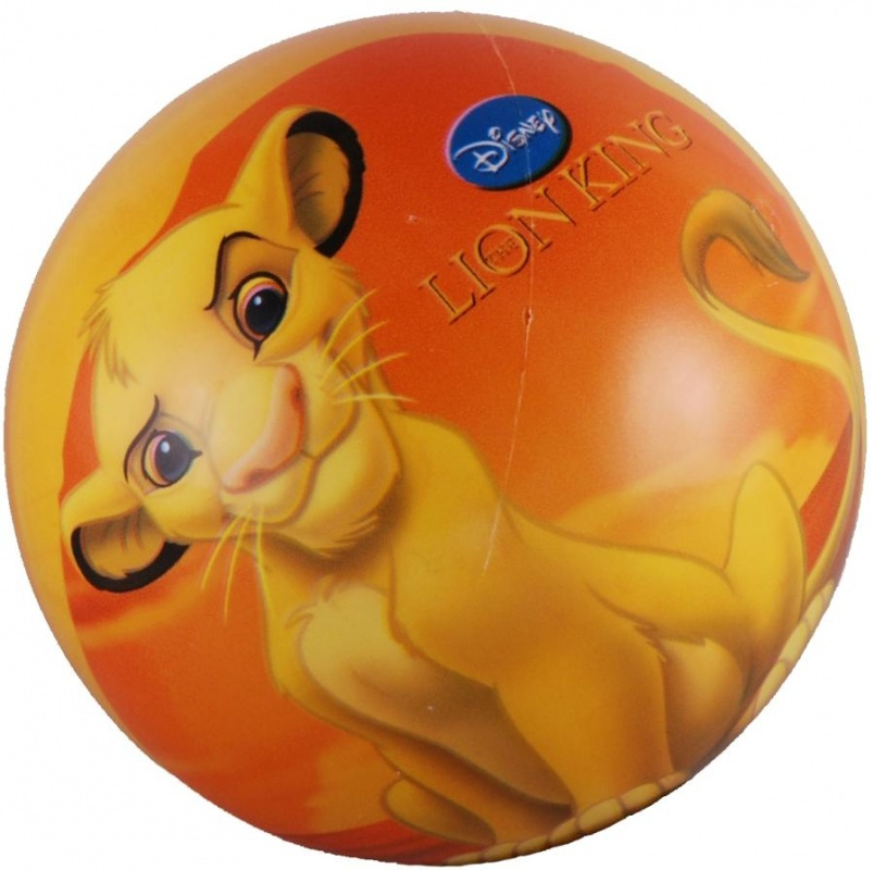 Мяч Mondo Король Лев, 14см в ассортПрочный красочный мяч с изображением героев популярного мультфильма, отличается особенно сильным отскоком от поверхности. Игра с мячом доставит малышу огромное удовольствие и будет способствовать развитию координации его движений.<br>