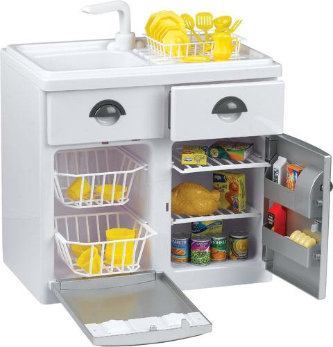 Игровой набор с холодильникомБытовая техника, так похожая на настоящую, станет незаменимым помощником на кухне!На посудомоечной машине и холодильнике имеются кнопочки включения, при нажатии которых раздаются забавные звуки, похожие на работу настоящей бытовой техникиА если малыш нажмёт на краник, то услышит шум водыИмеется сушилка для посудыЯщички выдвигаются, и в них можно поместить чистую и высушенную посудуКомпактный холодильник с удобными полочками поможет сохранить все продукты свежими<br>