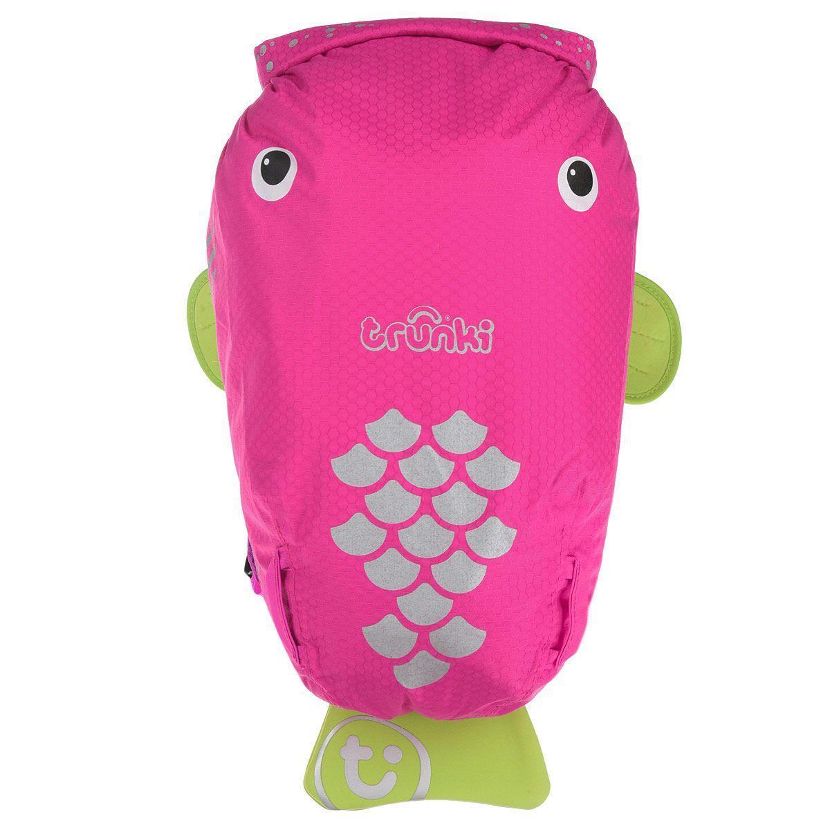 Рюкзак для бассейна и пляжа, розовыйДетский пляжный рюкзак Рыба способен вместить все необходимые вещи для похода в бассейн или к морю. Рюкзак с привлекательным дизайном понравится всем детям. По форме рюкзак напоминает рыбу с плавниками и хвостом. Удобная ортопедическая спинка, а также мягкие лямки, равномерно распределяющие нагрузку на плечи и позвоночник, позволят девочке с легкостью переносить вещи вне зависимости от общего веса рюкзака. Специальный универсальный держатель можно использовать в качестве придерживающего устройства для мокрого полотенца или кепки. Веселая рыбка сделает поход в бассейн еще увлекательнее и радостнее.<br>