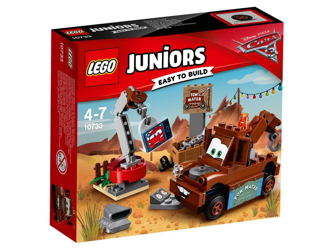 Конструктор Lego Juniors Свалка МэтраУстрой для Мэтра от Disney® Pixar перерыв, чтобы он мог поболтать по видеосвязи со своим лучшим другом и легендарным гоночным автомобилем Молнией МакКуином. Но не забывай, что у тебя ещё много работы! На свалке полно запчастей, так что используй кран, чтобы присоединить их к Мэтру и проверить, работают ли они!<br>
