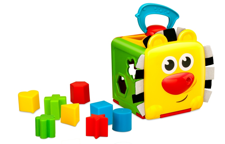 Игровой набор для детей СортерСортер для детей - это развивающая игрушка, принцип которой основан на сопоставлении форм и правильной их сортировке. У малыша есть большая коробка с геометрическими отверстиями, а также набор объемных геометрических фигурок разного цвета. Играя в такую детскую игру ребенок развивает мелкую моторику рук, логическое мышление, учится различать формы и цвета, развивает свое пространственное мышление, тем самым расширяя свой кругозор.<br>