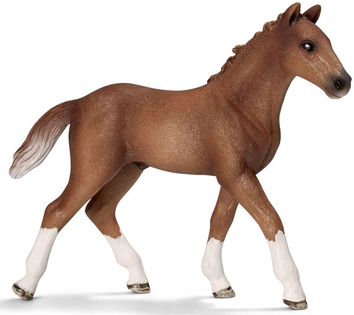 Гановерский жеребенокФигурка Schleich Ганноверский жеребенок выполнена из безопасного для ребенка материала и раскрашена вручную.Ганноверский жеребенок из благородной спортивной породы лошадей, он превосходно подходит для выездки и конкура. Ганноверская лошадь считается самой способной в обучении, эти лошади самые понятливые, внимательные и гармоничные.Прекрасно выполненные фигурки Schleich отличаются высочайшим качеством игрушек ручной работы. Все они создаются при постоянном сотрудничестве с Берлинским зоопарком, а потому являются максимально точной копией настоящих животных. Каждая фигурка разработана с учетом исследований в области педагогики и производится как настоящее произведение для маленьких детских ручек.<br>