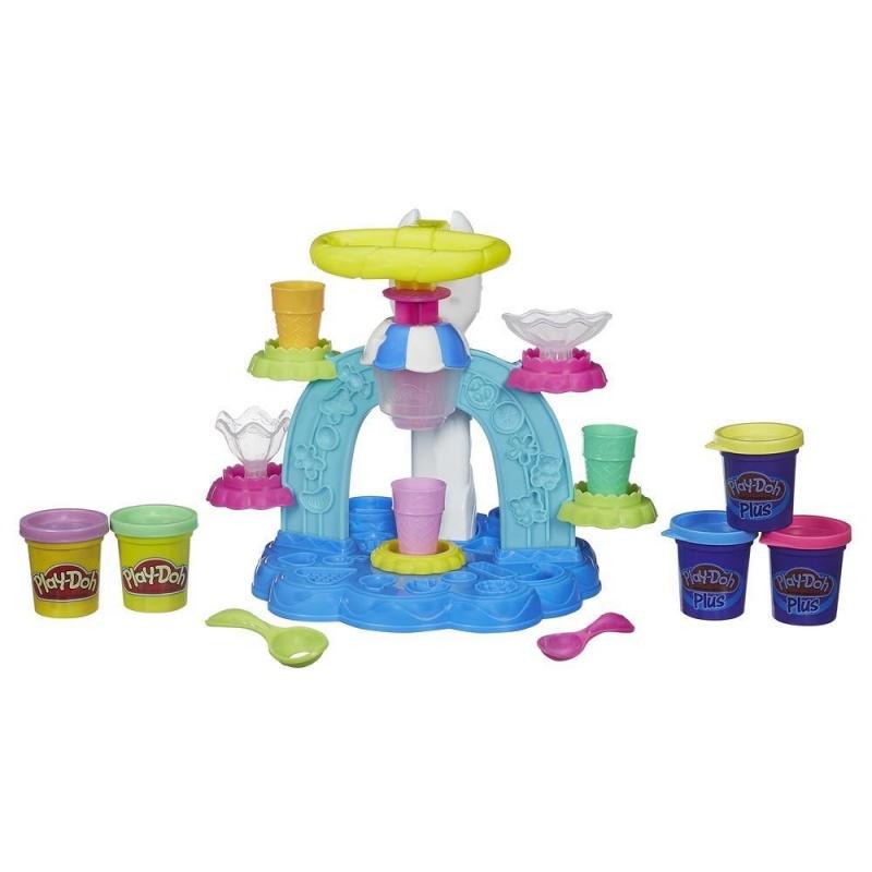 Play-Doh Игровой набор Фабрика МороженогоСоздавай красочное и веселое мороженое: банана сплит, шоколадное эскимо или голубично-яжевичный стаканчик - с игровым набором Фабрика мороженого возможно все! Выложи свое мороженое в рожок или стаканчик и не забудь посыпать его конфетами или другими сладостями.<br>