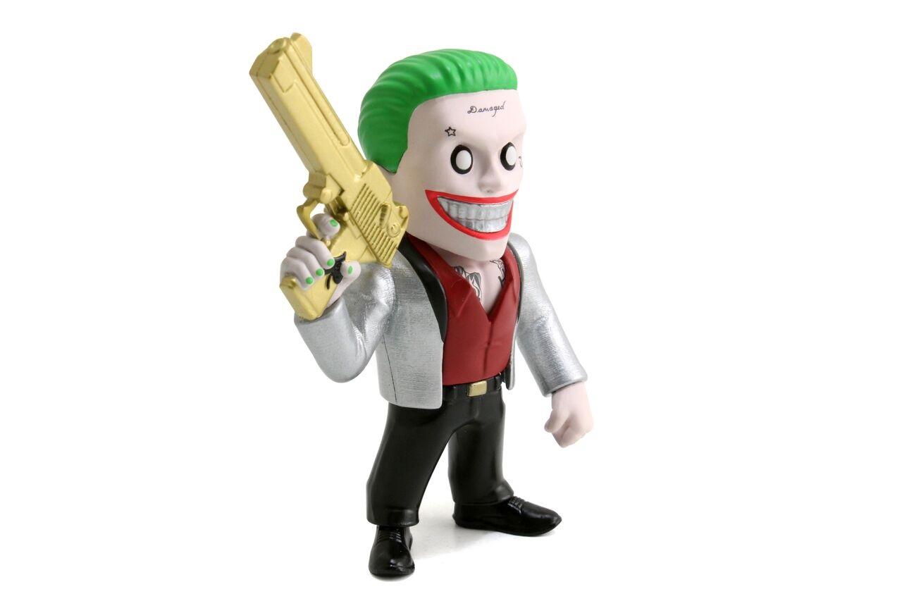 Фигурка металлическая Joker Boss 10 смМеталлическая фигурка Joker Boss – это замечательный подарок для маленьких любителей комиксов и фильмов про супергероев. Представленная модель изготавливается с большим вниманием к деталям. Фигурка может похвастаться уникальным визуальным стилем и высоким качеством проработки, что делает ее яркой, красочной и реалистичной. Это поможет вашему ребенку проявить фантазию и воображения во время ситуационно-ролевых игр с участием любимых героев. Благодаря замечательной проработке каждого элемента фигурка подходит как для непосредственных игр, так и для коллекционирования.Отличное качество материаловФигурка Joker Boss изготавливается из прочного и надежного металла. Этот материал отлично защищает игрушку от случайных повреждений, что способствует продолжительному сроку службы. Структура металла не вызывает аллергических реакций и раздражений на коже, благодаря чему вы можете быть уверены в полной безопасности игрушки для здоровья ребенка.Как заказать и оплатитьПриобрести металлическую фигурку Joker Boss очень просто. Вы можете прийти в один из магазинов Hamleys или сделать заказ через официальный сайт. Возможна оплата пластиковой картой или за наличный расчет. Для регионов России доступна функция наложенного платежа при заказе доставкой.<br>