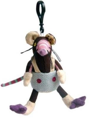 Игрушка-брелок Крыска RatosИгрушка-брелок Deglingos Крыска Ratos - потешная коллекция дизайнерских зверьков полюбилась малышам и взрослым всего мира. Игрушка Deglingos Крыска Ratos – брелок из этой серии. Очаровательная мордочка привлекает внимание. Мимо доброго и немного нелепого грызуна пройти невозможно! Крысеныш заряжает позитивом и радостью.Особенности товара:Является персонажем мультфильма Deglingos cartoonПошита из красочных тканей с разной фактуройМожно использовать как интересную подвеску для кроваткиВысокое качество исполненияУникальный подарок или сувенир для ценящих оригинальные аксессуары людейМожно стирать в машинеМиниатюры будут полезны в развивающих играх – благодаря Крыске Ratos развивается воображение, логика, тренируются память и тактильное восприятие. С помощью карабина из прочного пластика игрушка надежно крепится к детской мебели, замкам рюкзаков и сумок. Материалы Deglingos гипоаллергенны и безвредны, сертифицированы и соответствуют стандартам лабораторий EN71, ASTM, AZO.<br>