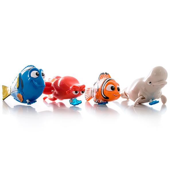 Заводная рыбка для ванной, 10-12 см., в ассортиментеС заводной игрушкой для ванны купание превратится для ребенка в веселую, увлекательную игру! Фигурка оснащена пусковым механизмом - вытягивающейся веревочкой, которая придает импульс, и игрушка приходит в движение. В зависимости от вида игрушки, у нее двигаются плавники, щупальца или глаза. Длина рыбки составляет 10-12 см.Игрушка представлена в ассортименте, вы можете выбрать любимого персонажа анимационного фильма В поисках Дори (Finding Dory) - прелестную рыбку Дори, знакомого каждому Немо, кита-белуху Бейли или осьминога Хэнка. Собрав целую коллекцию рыбок, ребенок сможет воссоздавать любимые сцены из мультфильма или придумывать собственные истории - веселая сюжетно-ролевая игра будет обеспечена!Игрушка представлена в ассортименте, выбранный вариант в поставке не гарантирован. Цена указана за 1 рыбку.<br>