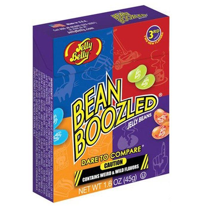 Jelly Belly Bean Boozled драже жевательное, 45 гКонфеты Jelly Belly в последнее время стали очень популярны, за свой удивительный вкус, который передаётся на 100% правдоподобно. Так что эти конфеты действительно ну очень вкусные. Попробовав одну конфетку, будет сложно остановится! Набор содержит конфетки со странными вкусами: собачьего корма, вонючих носков, скошенной травы, детских подгузников, тухлого яйца, зубной пасты, рвоты и соплей. Такое драже станет превосходным подарком-розыгрышем для ваших друзей.<br>