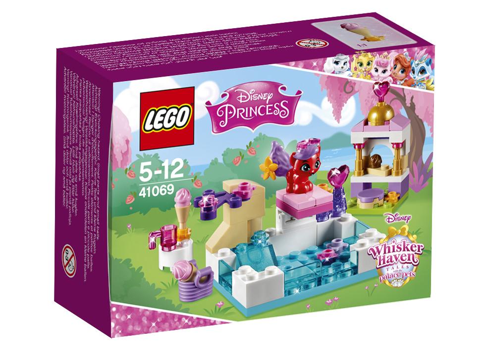 Конструктор Lego Disney Princess Королевские питомцы: ЖемчужинкаЗолотце — необычный котенок, она принадлежит Ариэль и просто обожает воду! Присоединяйся к Золотцу в бассейне и помоги ей научиться прыгать с вышки. А потом переверни вышку и наслаждайся катанием с водной горки. Когда устанешь, отправляйтесь в кафе-мороженое и помоги Золотцу найти то, которое ей больше нравится. Какое мороженое она выберет? Все зависит от тебя!<br>