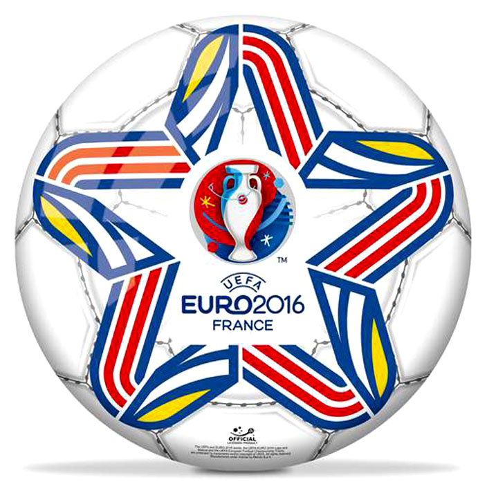 Мяч Mondo Евро 2016, 23 смФутбольный мяч Евро 2016 от компании Mondo украшает эмблема чемпионата Европы 2016 года, представленная в виде белого кубка на красно-синем фоне. Изготовленный из прочно сшитых друг с другом кусочков резины, он будет долгое время радовать своего владельца. Рельефная поверхность изделия способствует лучшему контролю над мячом во время увлекательной игры.<br>